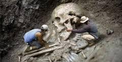 giant-skull-2